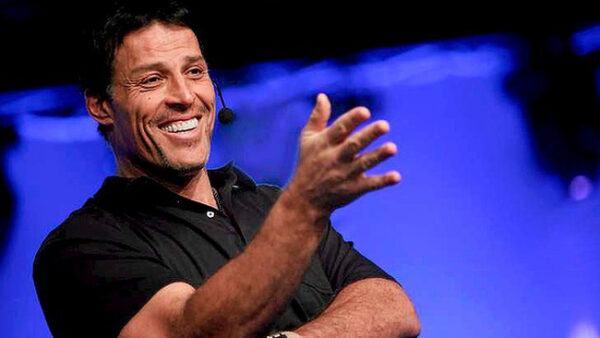 Tony Robbins là ai?