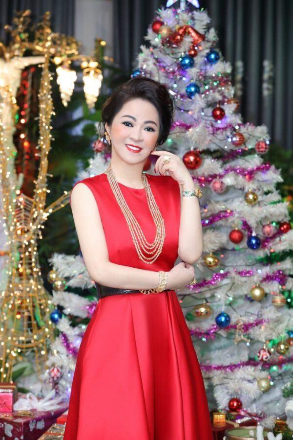 nguyen phuong hang la ai1 e1621398766718