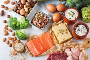 Tại sao chúng ta lại cần ăn protein từ các nguồn thực phẩm khác nhau?