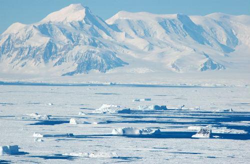 Tại sao nói đới lạnh là vùng hoang mạc lạnh của Trái Đất?