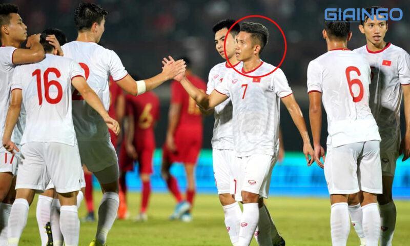 Đội bóng hiện tại Nguyễn Phong Hồng Duy tham gia là gì?