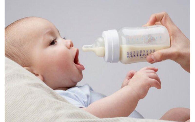 như thế nào là bé hợp sữa