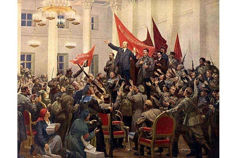 Vì sao nước Nga năm 1917 lại có hai cuộc cách mạng?