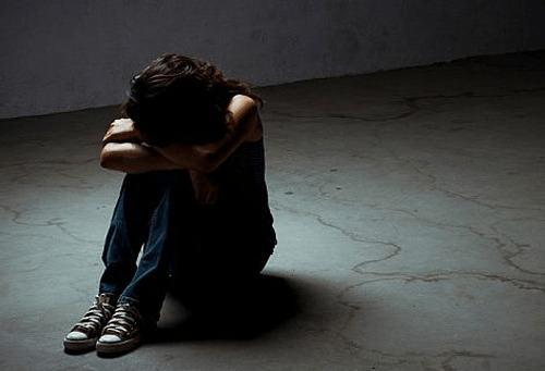 Nguyên nhân gây trầm cảm là gì? Dấu hiệu của bệnh trầm cảm