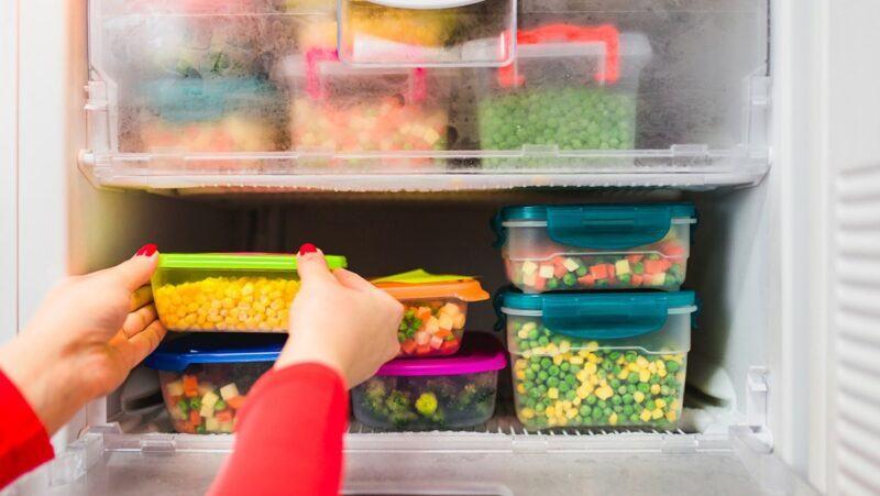 Tại sao thức ăn bị ôi thiu?