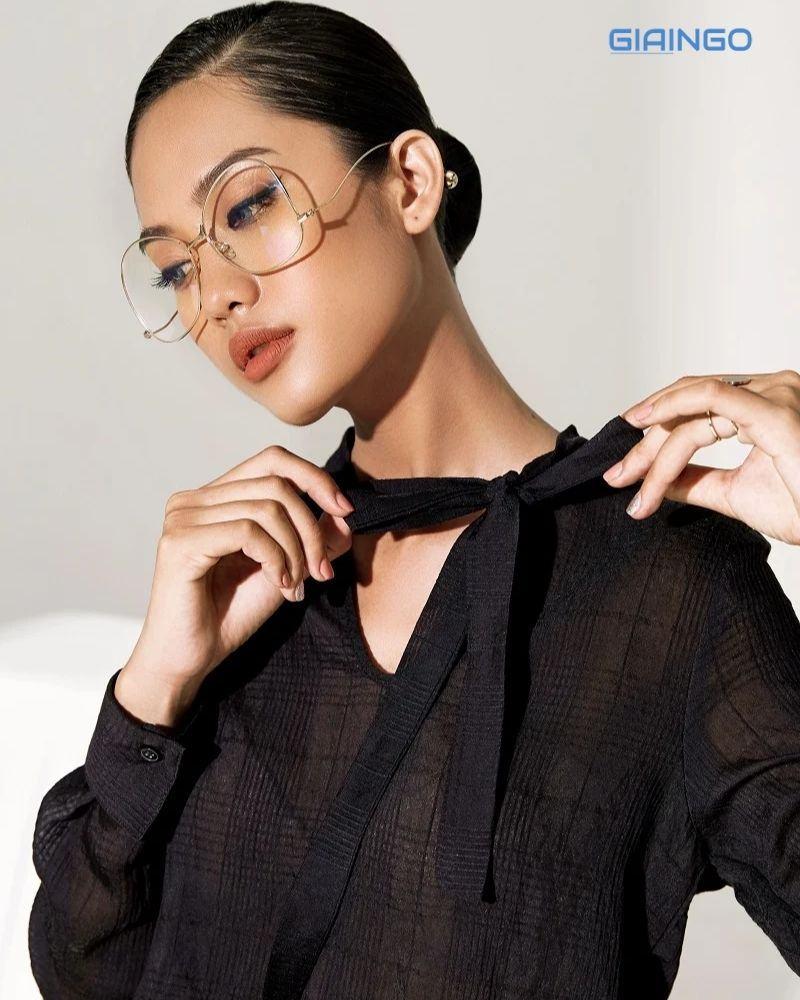 Cách thắt nơ cổ áo đơn giản
