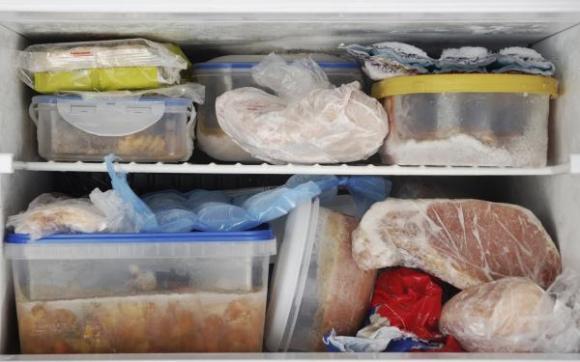 Vì sao có thể giữ thức ăn tương đối lâu trong tủ lạnh?
