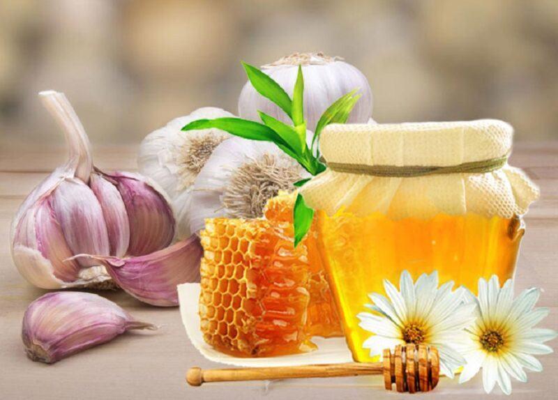 uống tỏi ngâm mật ong vào lúc nào