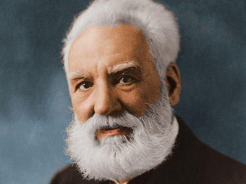Ai là người phát minh ra điện thoại? Alexander Graham Bell là ai?