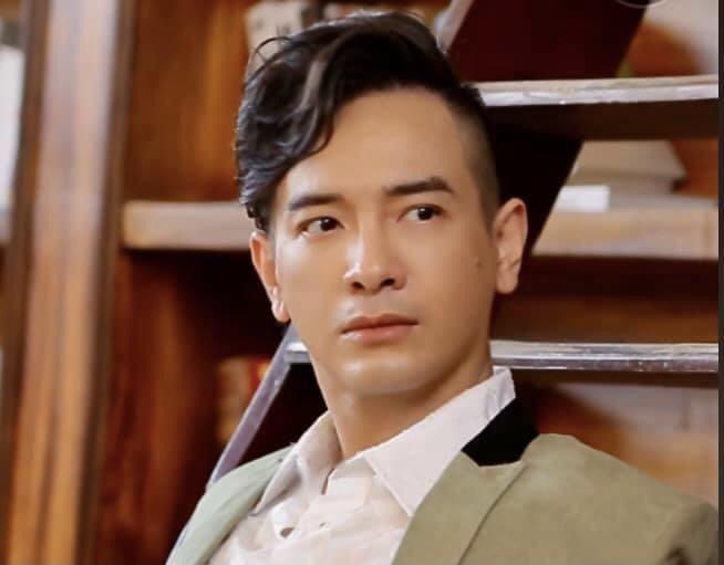 Ca sĩ Việt Quang là ai?