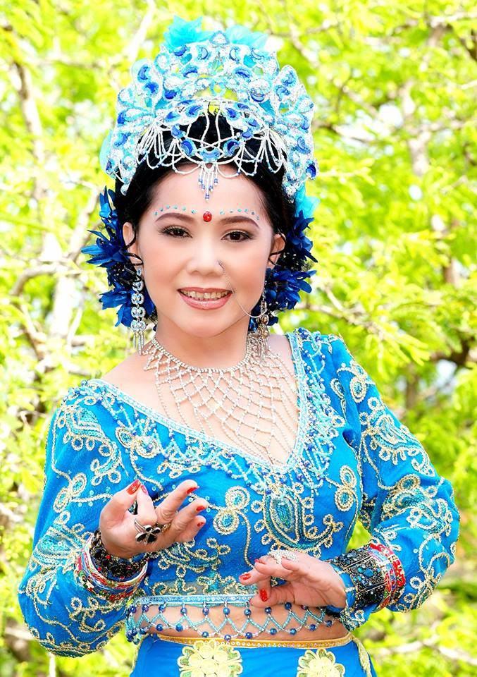 Nghệ sĩ Bạch Mai là ai?
