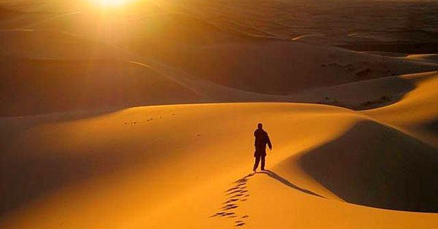 Soạn bài Bài ca ngắn đi trên bãi cát
